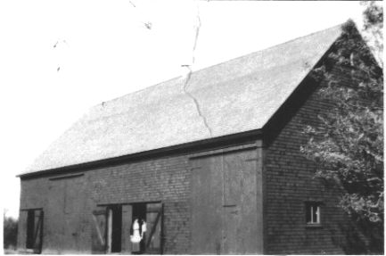 Middle barn